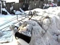 В Якутии ребенок погиб после падения на него снежной массы с крыши