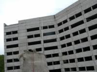 В Мурманске погиб подросток, пытавшийся залезть на крышу недостроенного здания
