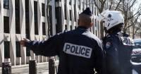 В Париже водитель автобуса на глазах туристов умышленно раздавил автомобилиста