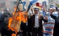 В Иране сожгли чучела Нетаньяху и Трампа, отмечая День Иерусалима