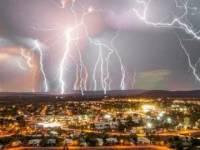 В Болгарии от удара молнии погибли мужчина с собакой