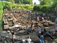 На раскопках в Великом Новгороде ученые опустились на рекордную глубину