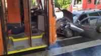 В Саратове после ДТП женщину-пешехода забросило в троллейбус через лобовое стекло