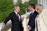 Путин сделал неожиданный комплимент супруге Макрона