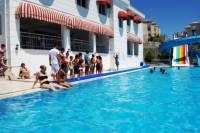 В Турции школьницу из Петербурга затянуло в трубу в бассейне