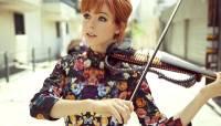 Американская скрипачка провела концерт в виртуальной реальности