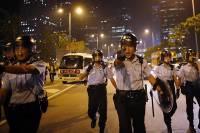 Полиция Гонконга зачищает несколько районов города от демонстрантов