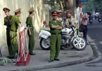 В столице Вьетнама умер забытый в школьном автобусе мальчик