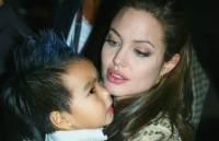 Анджелина Джоли собирается усыновить еще одного ребенка