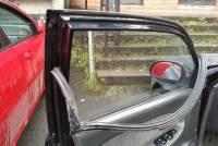 Скончалась белоруска, которой зажало шею стеклом автомобильной двери