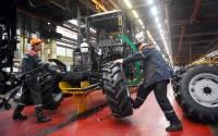 На МТЗ и других крупных предприятиях Белоруссии опровергают сведения о забастовке
