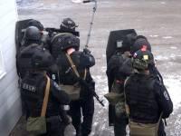 В Ачхой-Мартане при перестрелке погиб сотрудник ОМОН, еще один ранен