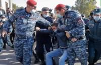 В Ереване проходит митинг против решения по Карабаху