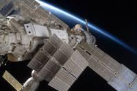 Российские космонавты успешно провели выход в открытый космос