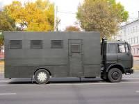 В центр Минска вновь стягивают военную технику