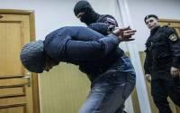 Пенсионера в наручниках нашли в квартире подозреваемого в убийстве Маругова