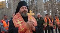 В РПЦ объяснили портреты Путина и Сталина в храме Минобороны