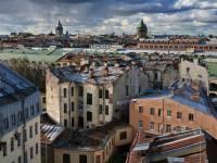 В Петербурге молодая пара сорвалась с крыши