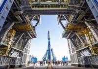 После доклада Рогозина РАН рекомендует отложить создание лунной ракеты