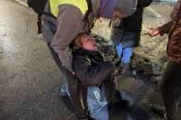 Женщина, пострадавшая от удара полицейского, переведена в реанимацию