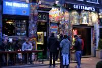 Туристам могут запретить посещать кофешопы в Амстердаме