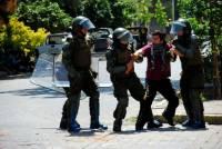 В Чили женщина погибла из-за петарды, выпущенной во время беспорядков