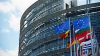 Европарламент призвал отключить Россию от SWIFT в случае нападения на Украину