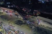 Десятки пострадавших при обрушении метромоста остаются в больницах Мехико