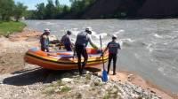 На Кубани десятки спасателей ищут мальчиков, упавших в горную реку