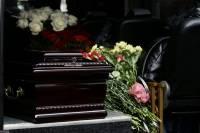 «Фонтанка» рассказала об очередях из гробов в крематории Петербурга